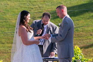 Cincinnati best most affordable wedding photographer Tammy Bryan highlight picture from Brooke & Duston wedding – 16