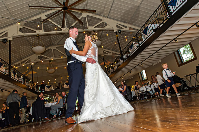 Cincinnati best most affordable wedding photographer Tammy Bryan highlight picture from Reegan & Ross wedding – 30
