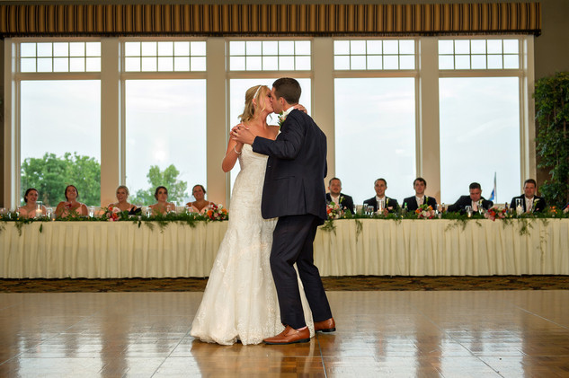 Cincinnati best most affordable wedding photographer Tammy Bryan highlight picture from Catherine & Josh wedding - 23
