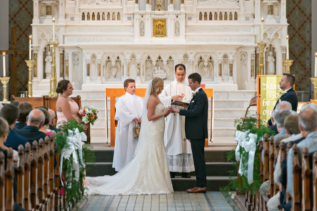 Cincinnati best most affordable wedding photographer Tammy Bryan highlight picture from Catherine & Josh wedding - 5