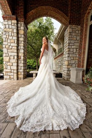 Cincinnati best most affordable wedding photographer Tammy Bryan highlight picture from Catherine & Josh wedding - 2