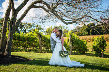 Cincinnati best most affordable wedding photographer Tammy Bryan highlight picture from Brooke & Duston wedding – 25