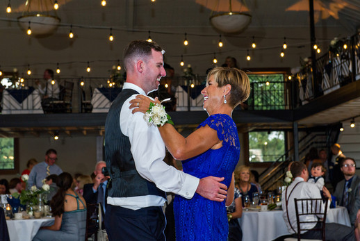 Cincinnati best most affordable wedding photographer Tammy Bryan highlight picture from Reegan & Ross wedding – 32