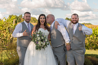 Cincinnati best most affordable wedding photographer Tammy Bryan highlight picture from Brooke & Duston wedding – 20