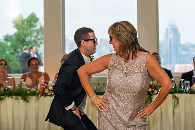 Cincinnati best most affordable wedding photographer Tammy Bryan highlight picture from Catherine & Josh wedding - 26