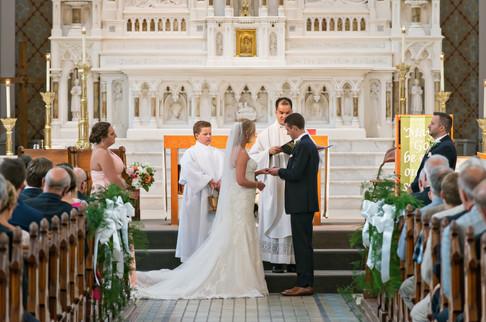 Cincinnati best most affordable wedding photographer Tammy Bryan highlight picture from Catherine & Josh wedding - 4