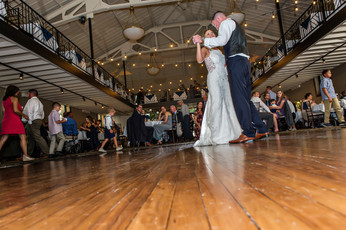 Cincinnati best most affordable wedding photographer Tammy Bryan highlight picture from Reegan & Ross wedding – 29