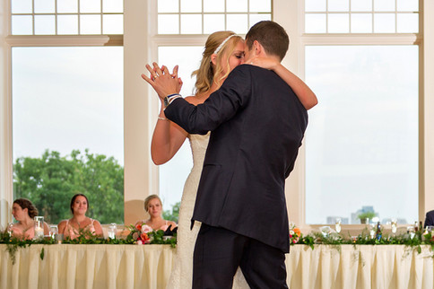 Cincinnati best most affordable wedding photographer Tammy Bryan highlight picture from Catherine & Josh wedding - 24