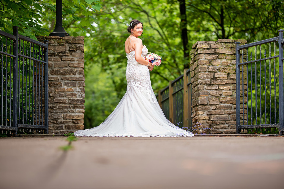 Cincinnati best wedding photographer Tam