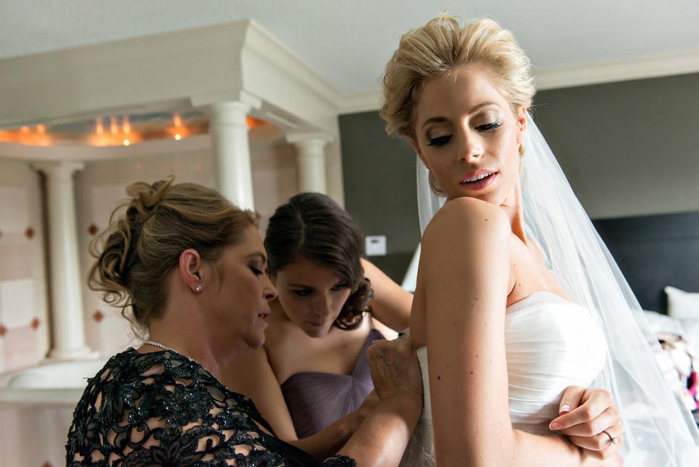 Cincinnati best wedding photographer Tammy wedding portfolio picture - 13