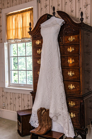 Cincinnati best wedding photographer Tammy wedding portfolio picture - 10