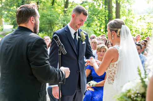 Cincinnati best most affordable wedding photographer Tammy Bryan highlight picture from Reegan & Ross wedding – 18