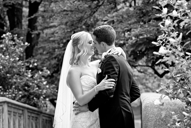 Cincinnati best most affordable wedding photographer Tammy Bryan highlight picture from Catherine & Josh wedding - 14