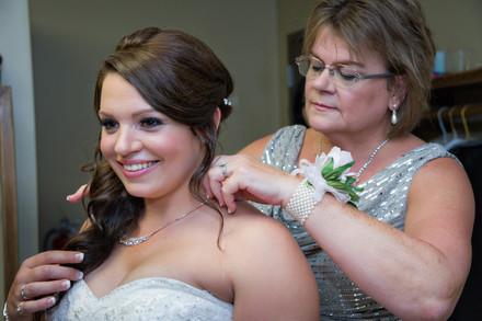 Cincinnati best wedding photographer Tammy wedding portfolio picture - 14