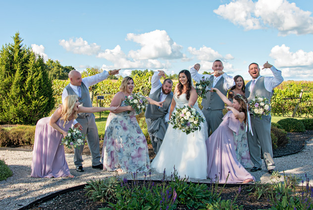 Cincinnati best most affordable wedding photographer Tammy Bryan highlight picture from Brooke & Duston wedding – 23
