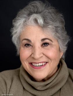 Janet Coscarelli (Ouiser)