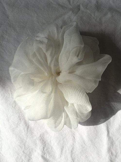 Big Bridal Scrunchie aus Seidenchiffon