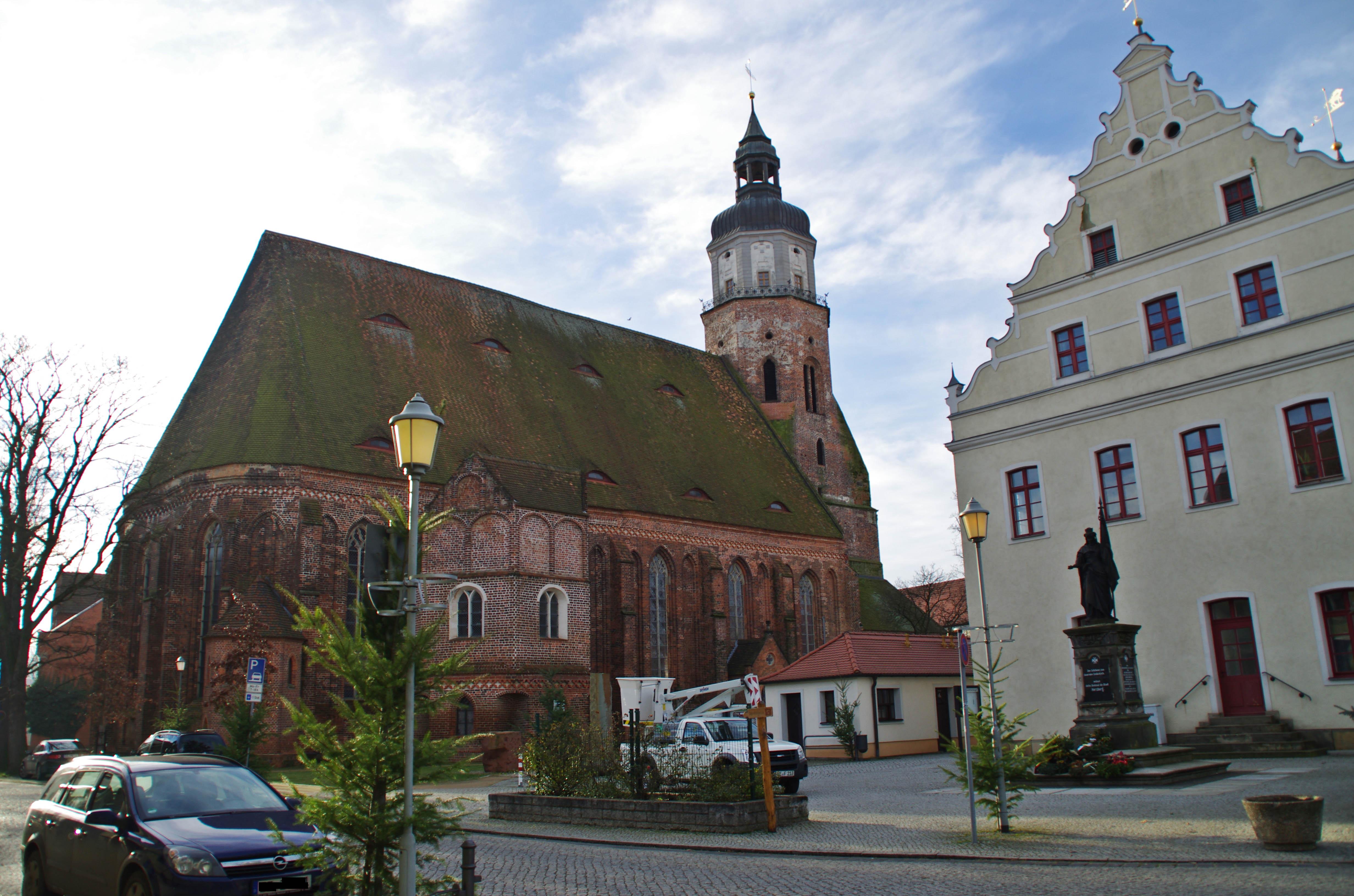 Marienkirche und Rathaus