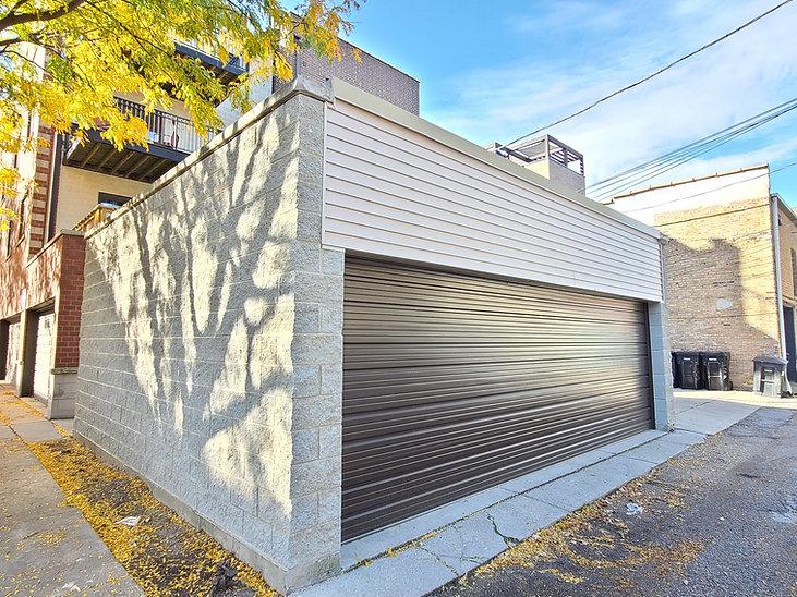 holman-and-nachtwey-custom-garage.jpeg