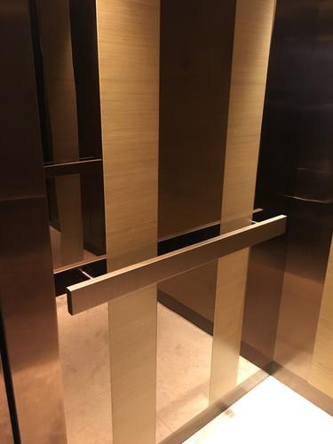 升降機扶手3M Di-Noc Film裱貼工程 3M Di-Noc Film Installation for Elevator Handrill