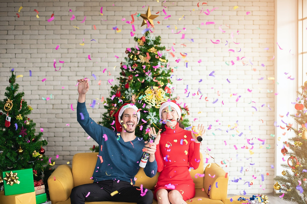 Take a memorable picture with Christmas Tree