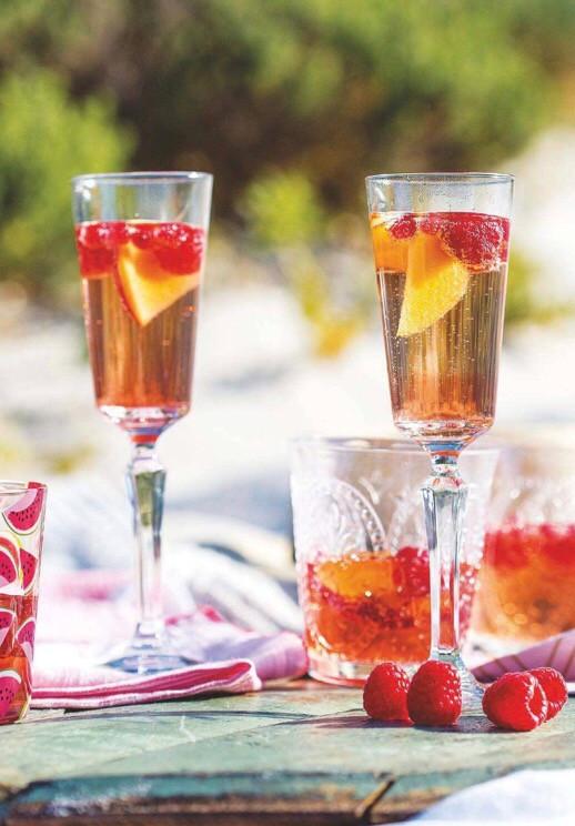 Summer berry prosecco