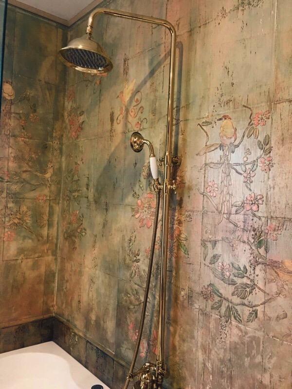 Красим плитку ванной