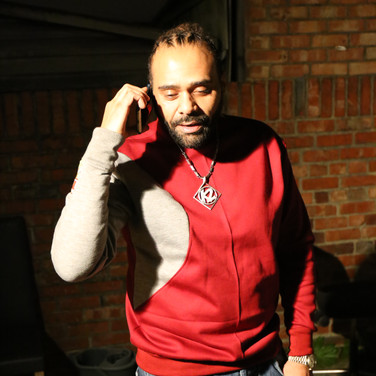 Artist Dani in Tailorswift clothing