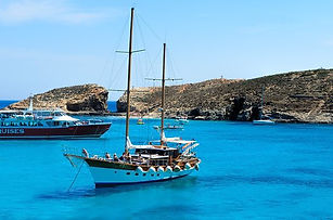 wonderful-boat-in-amazing.jpg