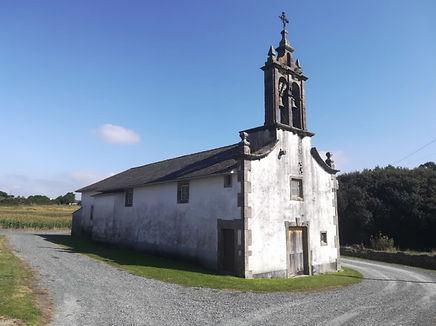 Escritura de dotación de asientos y sepulturas en la iglesia de Santiago Abade
