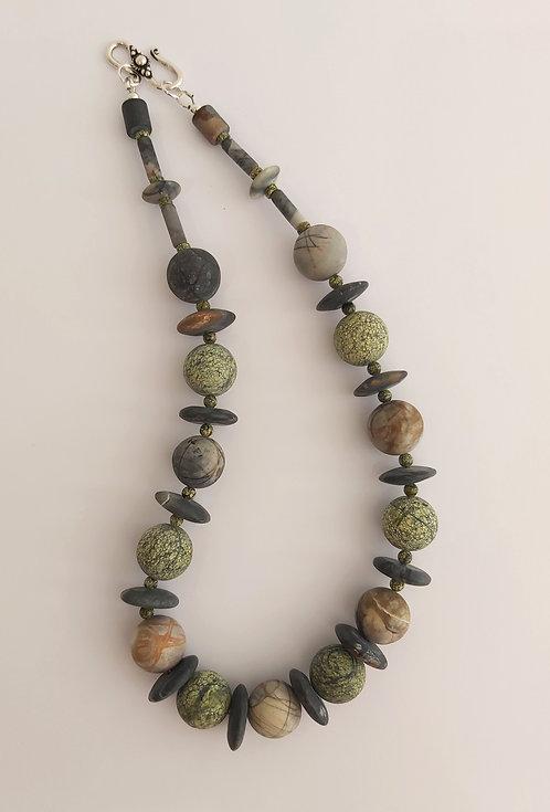 Gemstone Necklace (TT1463)