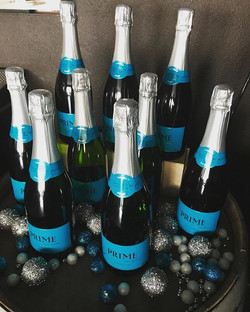 Introducing Darwin's Brut from PRIME Cellars 🍾 Just in time for the bubble season 🥂❄️Whaaat_! #nap
