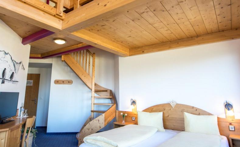Hoteleggishorn_zimmer3.png