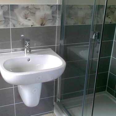 En-suite refit with decor wall tiling