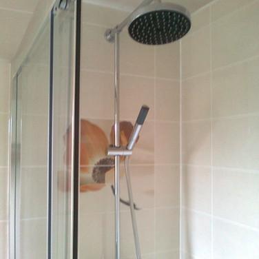 En-suite shower refit with decor wall tiling