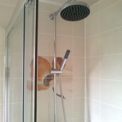 En-suite shower refit with decor wall tiling