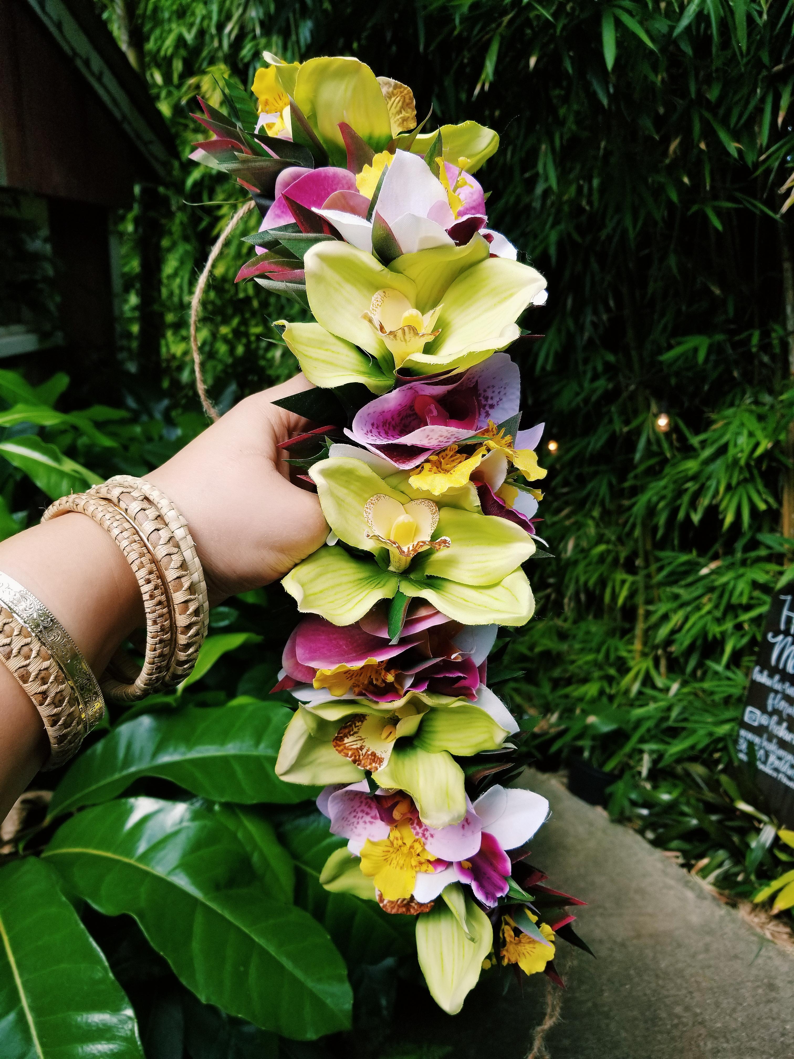 Haku Maui Silk Lei