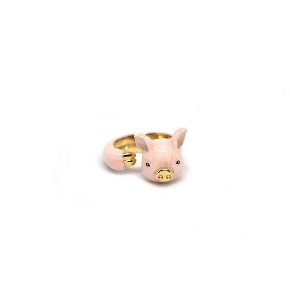 Pig Hugging Finger Ring