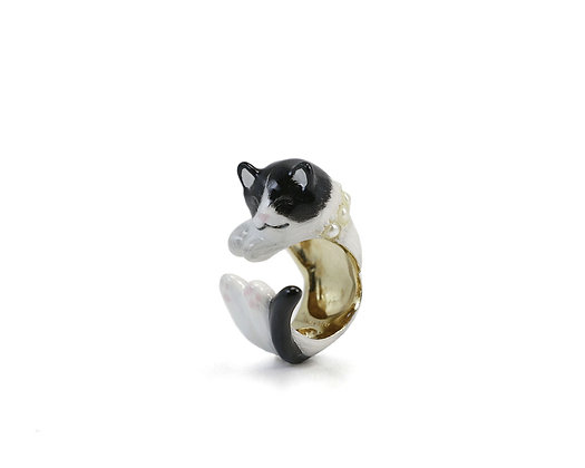 Cat with pearl Hug Ring ,Black and White