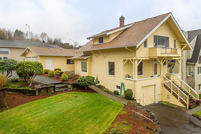 A 1910 classic build overlooking the Cascades sold by SASH