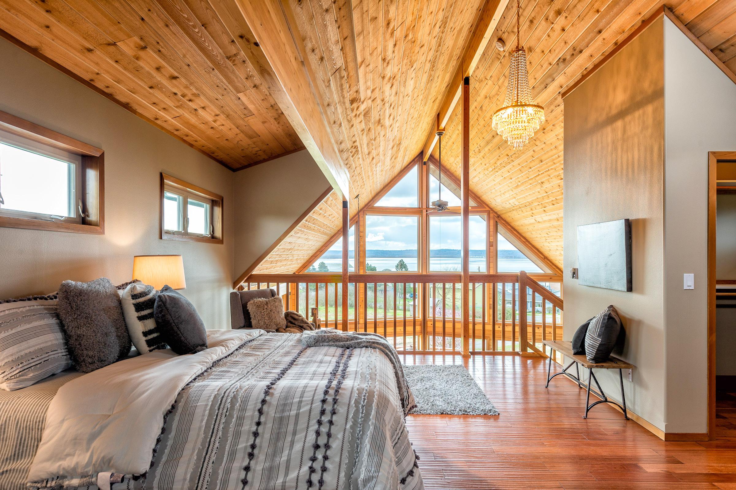 19 - Master Bedroom
