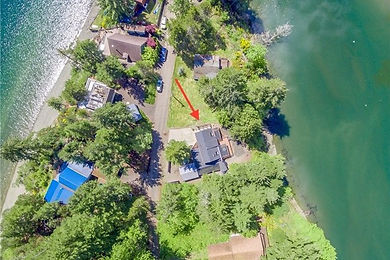 Puget Sound waterfront getaway sold by SASH Realty