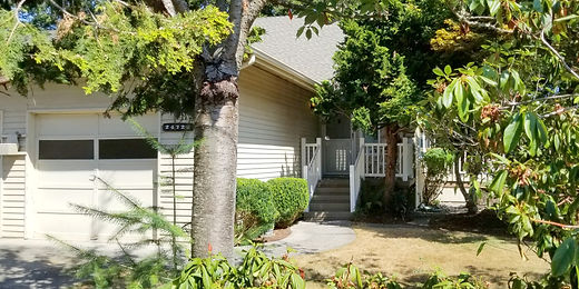 Huntington Park townhome sold by SASH Realty