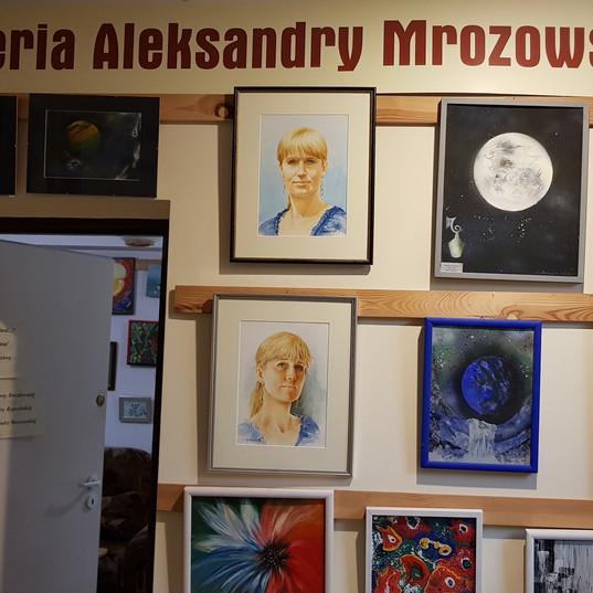 Obrazy Aleksandry Mrozowskiej oraz dwa portrety, które Jej namalował Jan Kardyś
