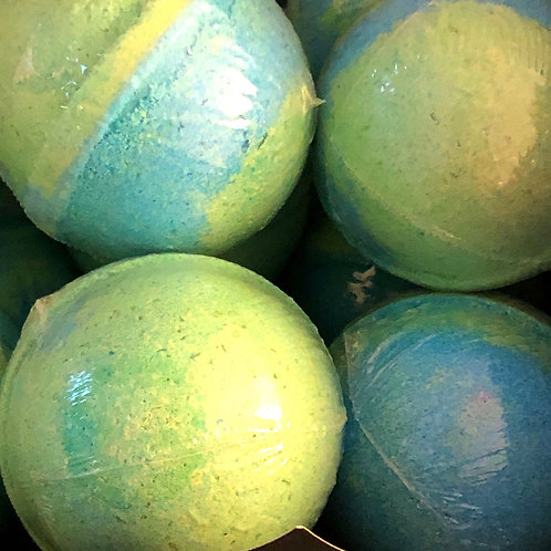 """Mermaid Kisses"" Bath Bomb 6.7 oz"