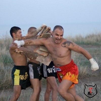 разбивание камней бокс