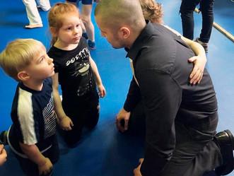 Воспитывать или обучать? Как мы учим детей боевым искусствам