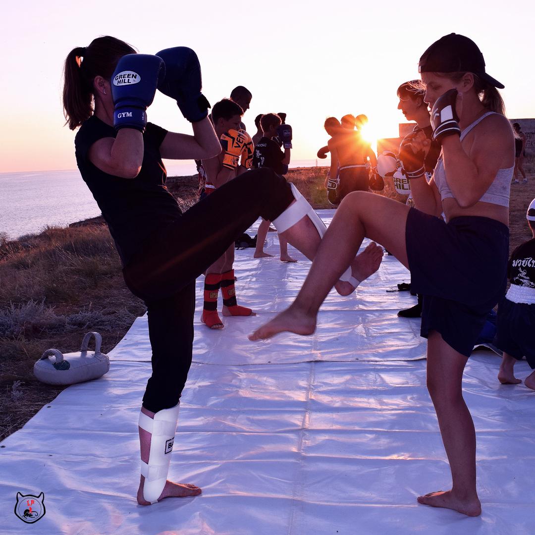 Тайский бокс для женщин и девушек