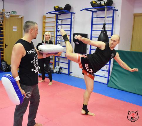 тайский бокс, удары ногами