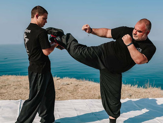 Самый сильный удар в боевых искусствах. Существует ли он?